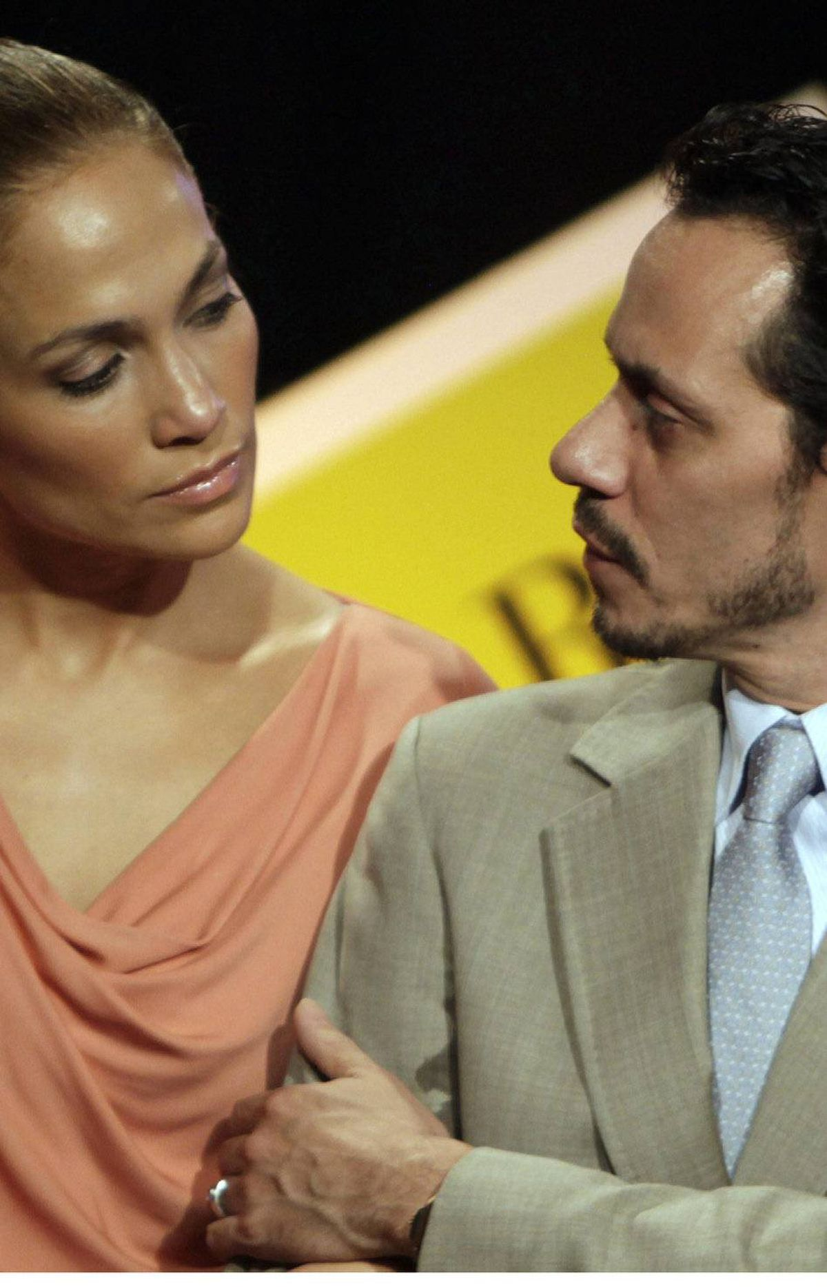 Jennifer Lopez vs. Marc Anthony In a summer shocker, the Latino power couple – and parents of three-year-old twins, Max and Emme – announced their marriage of seven years was on the (chopping) block. The divorce still hasn't been finalized; they're still trying to work out a settlement. That's what happens when you own mansions and NFL teams and stuff. Verdict: J. Lo. She's got a new 24-year old squeeze, and have you seen her abs lately?