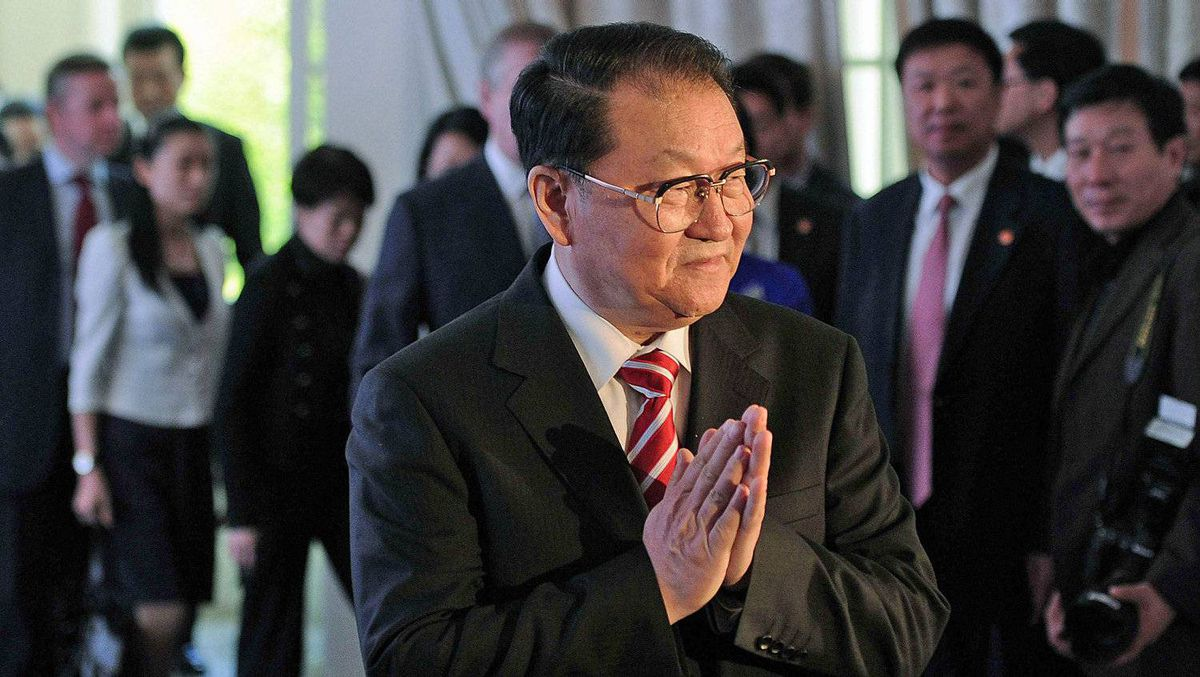 Li Changchun arrives at the London Book Fair on April 15, 2012. Mr. Li, head of propaganda and member of the Communist Party of China's Standing Committee of the Politburo, later met British Prime Minister David Cameron.