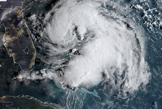 Tropical storm Humberto strengthens into a hurricane, threatens the Bahamas devastated by Dorian