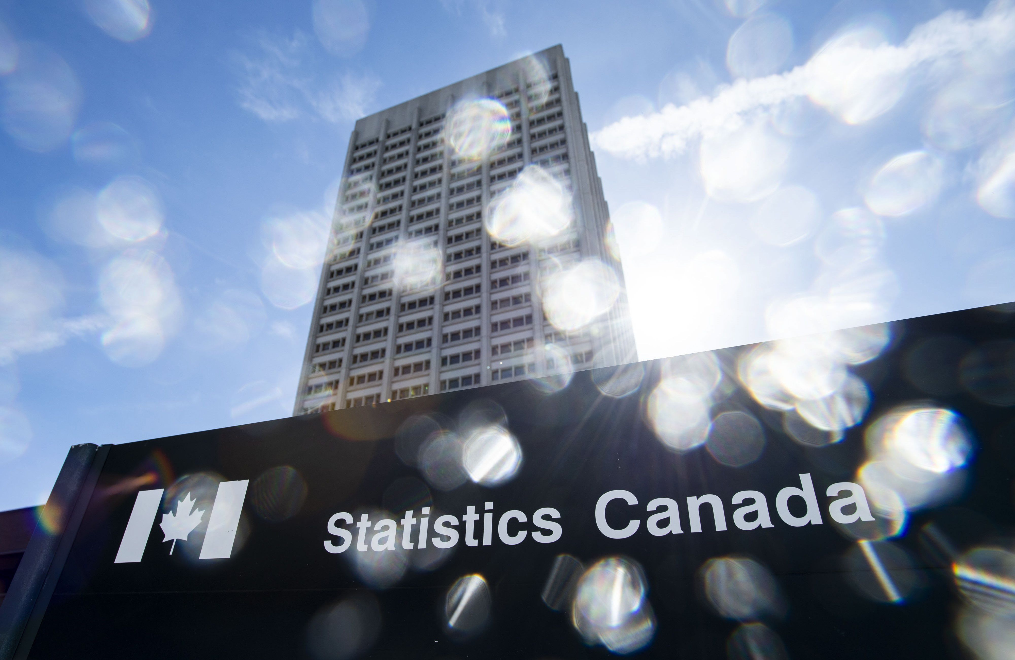 Canada's retail sales in June essentially unchanged from May