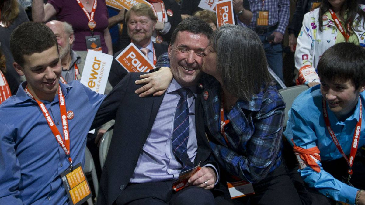 Candidate Paul Dewar is kissed by his wife Julia Sneyd after the first ballot at the NDP leadership convention at the Metro Toronto Convention Centre in Toronto, Ont. Saturday, March 24, 2012.