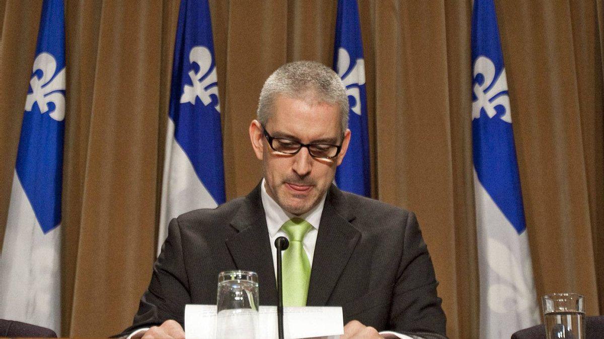 Nicolet-Yamaska MLA Jean-Martin Aussant announces his departure from the Parti Qu�b�cois on June 7, 2011.