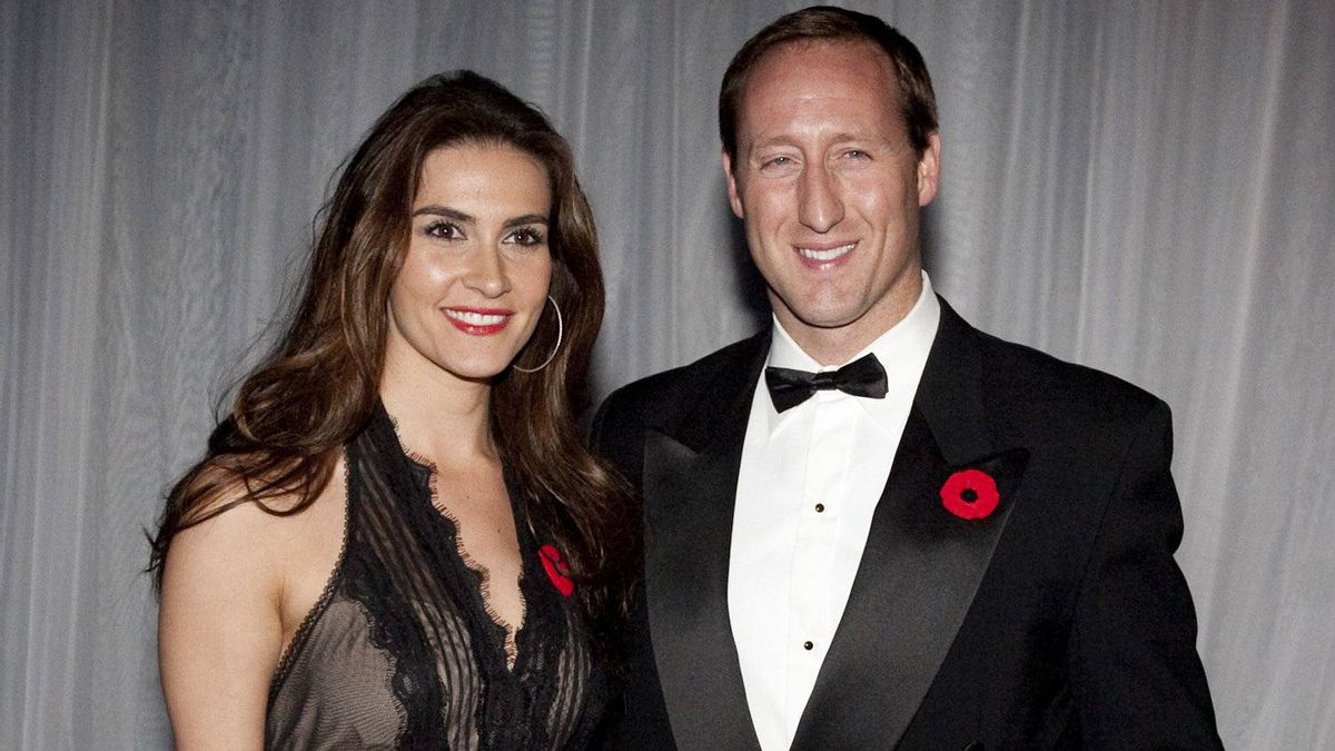 Nazanin Afshin-Jam was photographed in Toronto with National Defence Minister Peter MacKay in November of 2010 at a fundraising dinner.