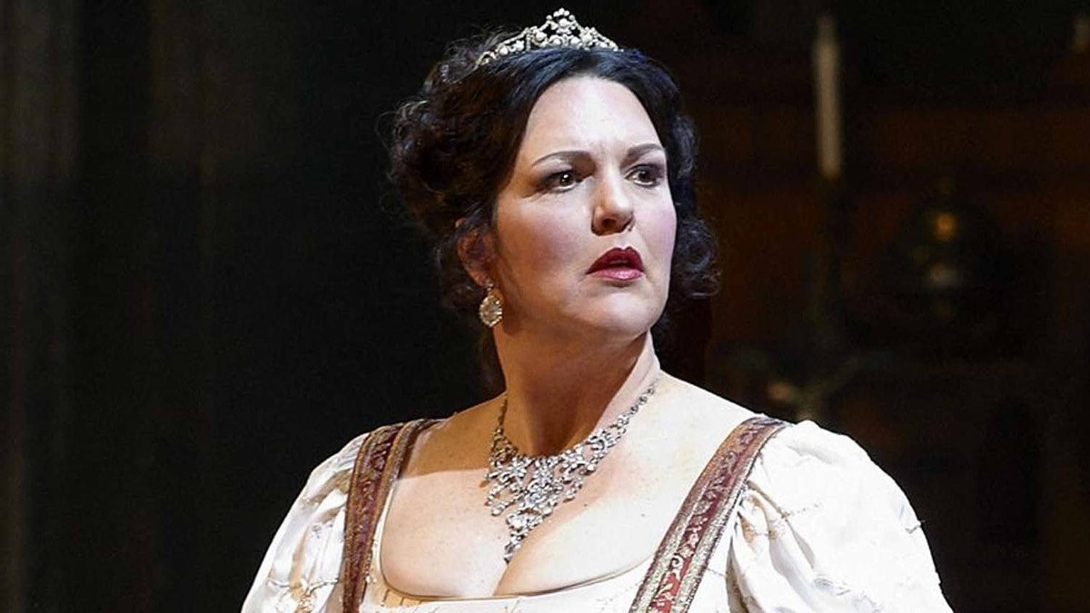 "Adrianne Pieczonka as Tosca in the Canadian Opera Company production of ""Tosca"""