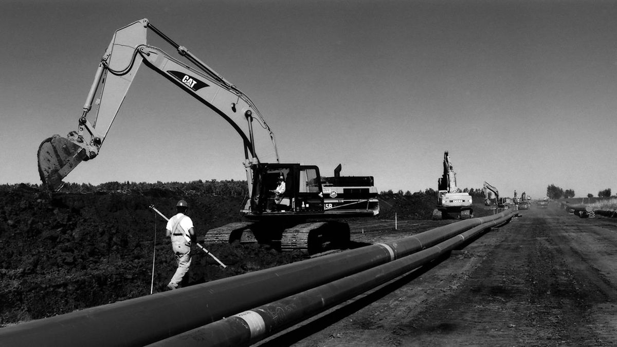 In 2007, Inter Pipeline acquired the Corridor pipeline system (seen here in a photo taken by previous owner Kinder Morgan while it was being built). It has committed to completing a $1.8-billion expansion of the pipeline system by 2010.
