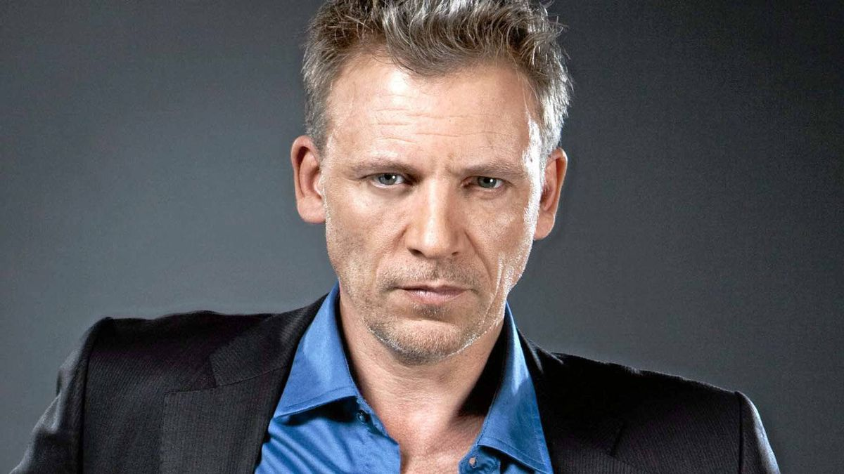 "Callum Keith Rennie wins the Gemini for best actor in a continuing dramatic role for his role in ""Shattered""."