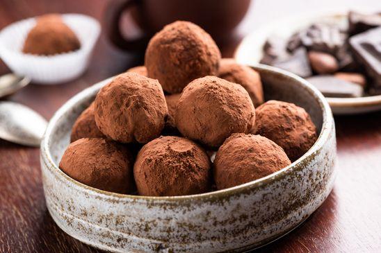 How do I make my own chocolate truffles?