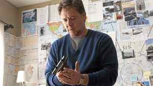 """Don't mess with English teachers: Russell Crowe in """"The Next Three Days"""""""