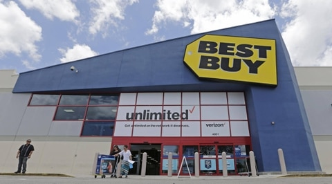 Best Buy shares tumble on weak holiday forecast