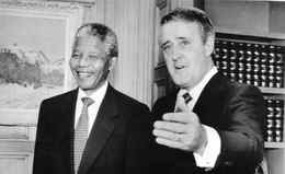 Nelson Mandela, left, and prime minister Brian Mulroney pose for photographers prior to a meeting in the Mr. Mulroney's office June 18, 1990.