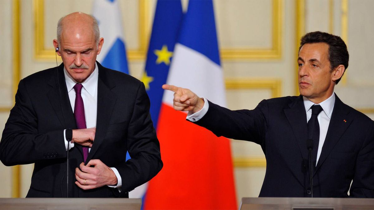 France's President Nicolas Sarkozy (R) and Greece's Prime Minister George Papandreou (L) attends a news conference at the Elysee palace in Paris March 7, 2010.