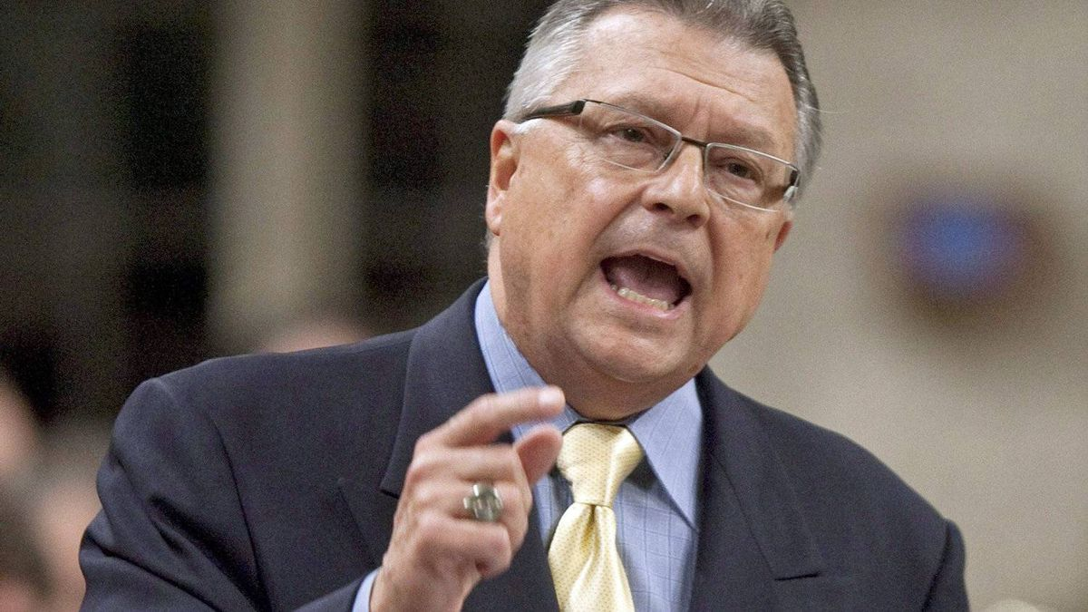 Liberal deputy leader Ralph Goodale speaks during Question Period in the House of Commons on Oct. 7, 2010.