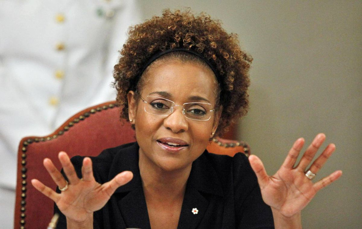 Governor-General Michaëlle Jean speaks to Domincan civil society groups in Santo Domingo on March 10, 2010.