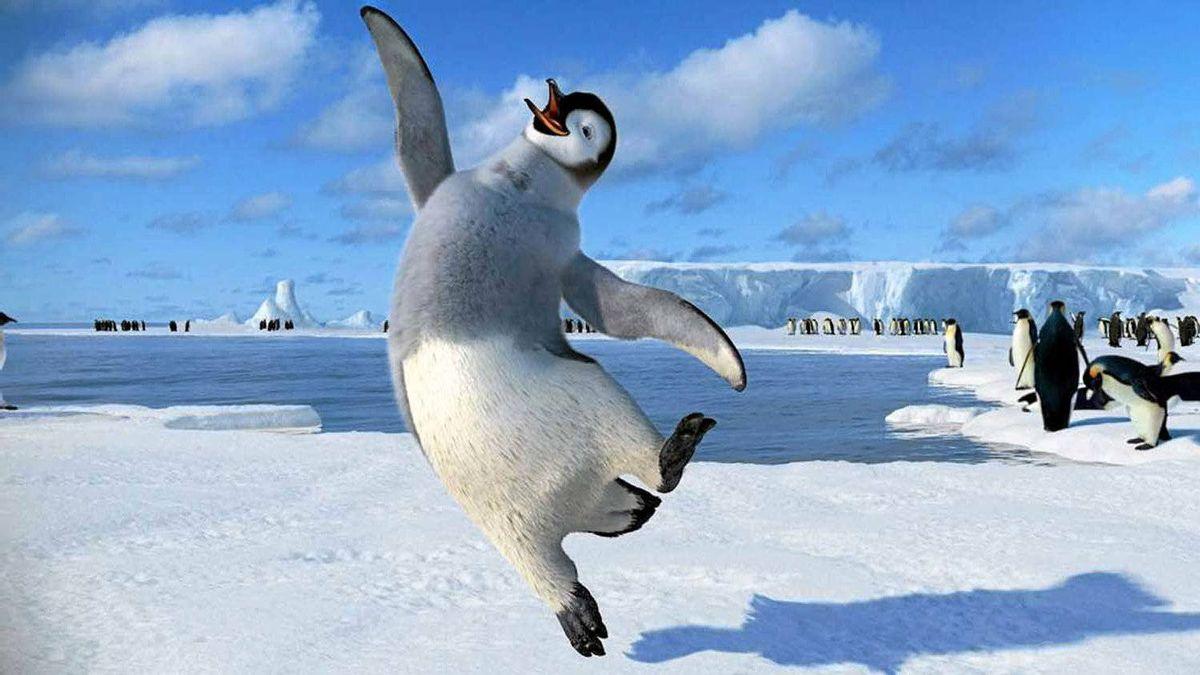 "A happy-foot scene from ""Happy Feet Two"""