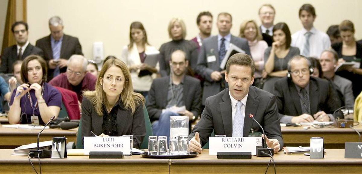 Intelligence officer and ex-diplomat Richard Colvin, right, testifies as he sits beside lawyer Lori Bokenfohr at a commons special committee on Afghanistan hears witnesses on transfer of Afghan detainees on Parliament Hill in Ottawa.