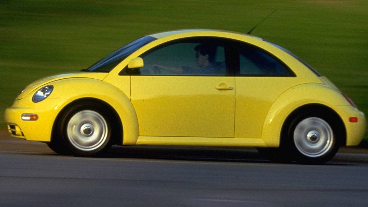 1998 New Beetle. The car's underpinnings bore no relation to the original car. The New Beetle was front wheel drive, powered with a watercooled engine borrowed from its corporate sibling, the VW Golf.