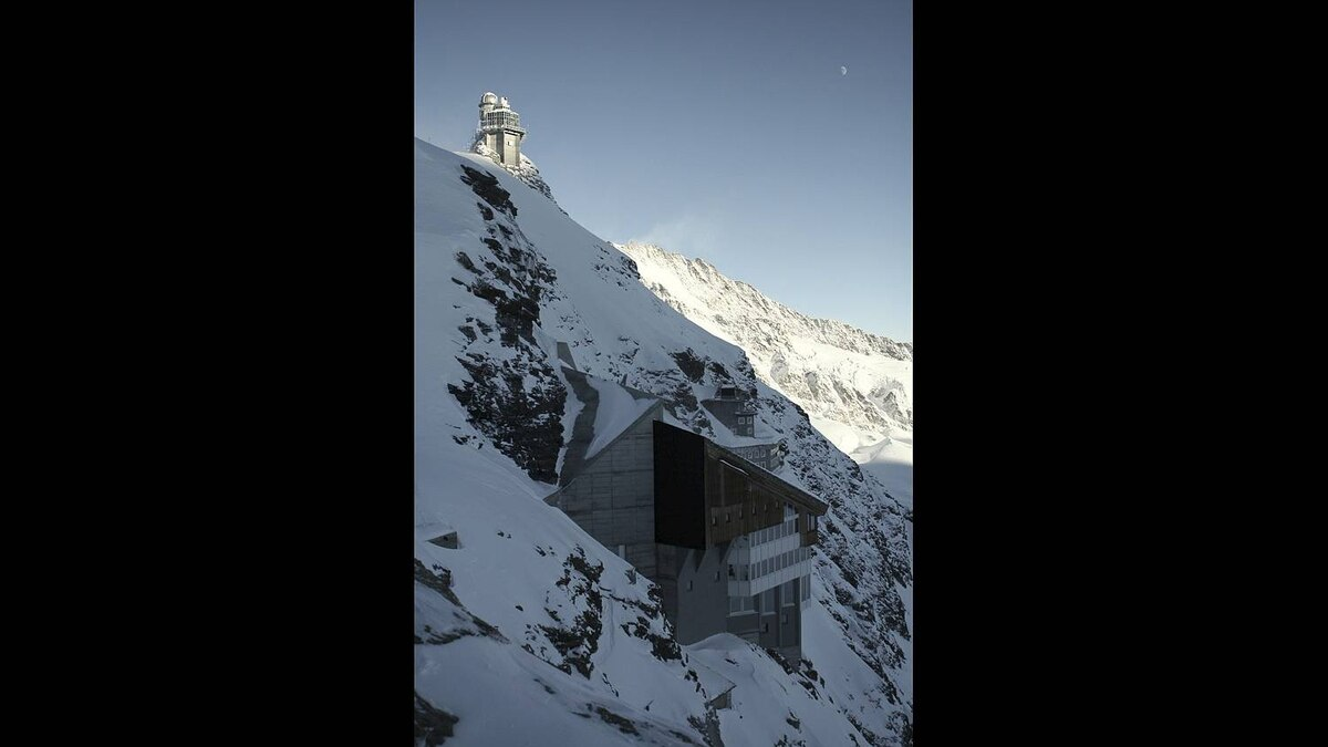 Tom Dault photo: The Sphinx observatory and research station as well as a hotel carved into the side of the Bernese Alps at Jungfraujoch (3571m).
