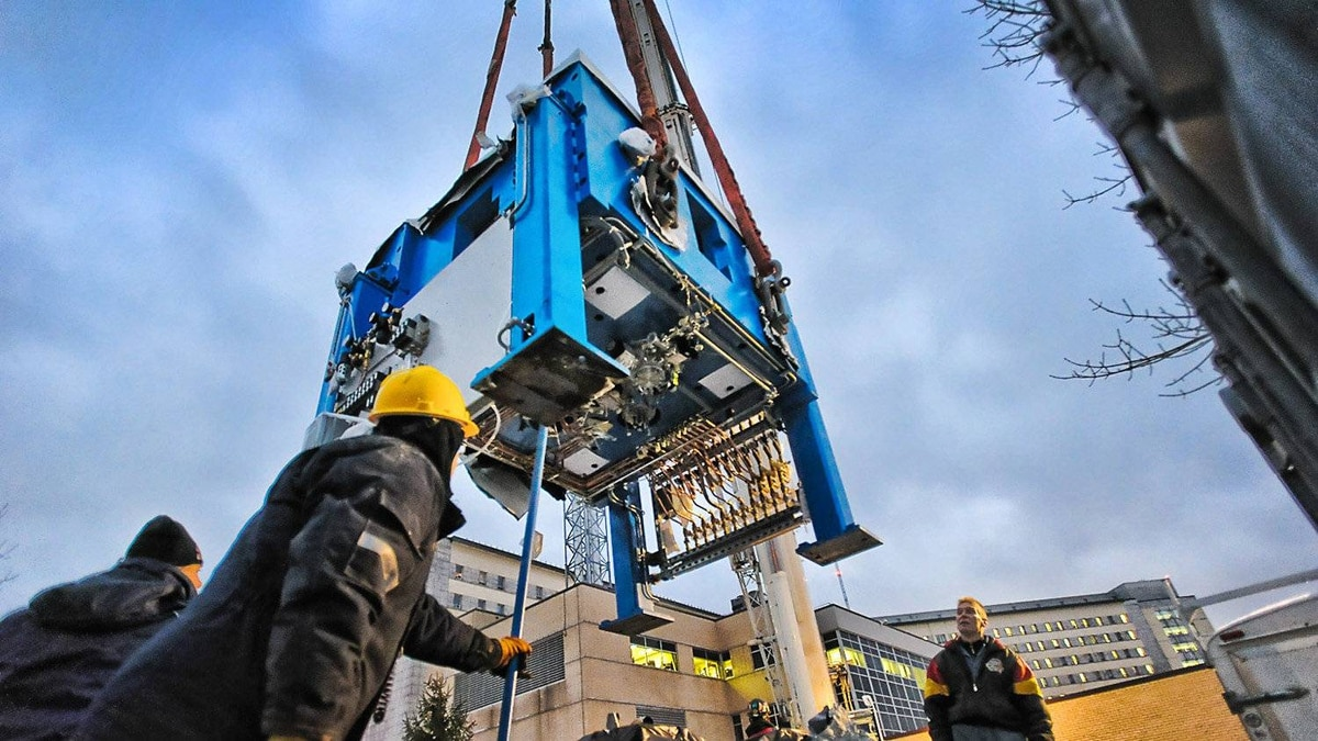 Advanced Cyclotron Systems's TR24 cyclotron is delivered to Sherbrooke University's clinical research centre.