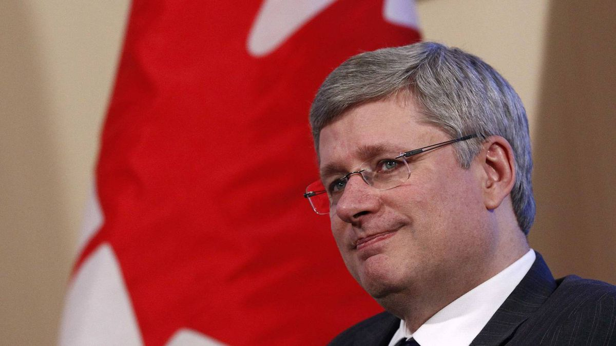 Canada's Prime Minister Stephen Harper takes part in a meeting in his Langevin Block office in Ottawa January 18, 2012.