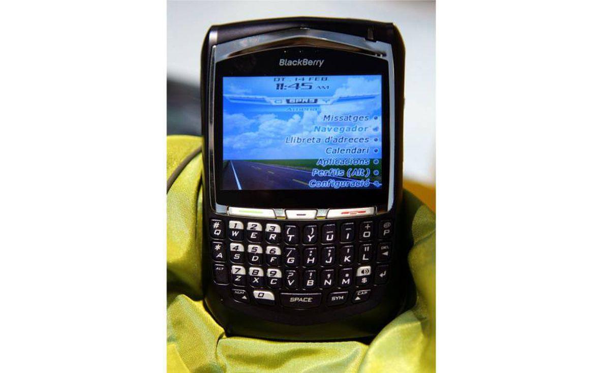 2005 - BlackBerry 8700