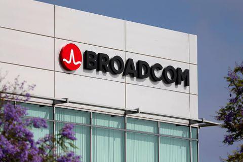 Broadcom pulls Qualcomm offer after Trump shuts deal down