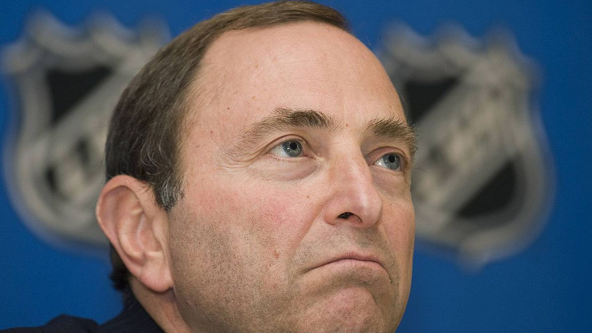 NHL Commissioner Gary Bettman speaks to reporters after the NHL board of governors meeting in Montreal, Wednesday June 24, 2009. The Canadian Press/Graham Hughes.