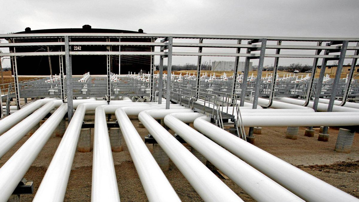 Oil pipelines feed into storage tanks at the Enbridge Cushing Terminal in Oklahoma.