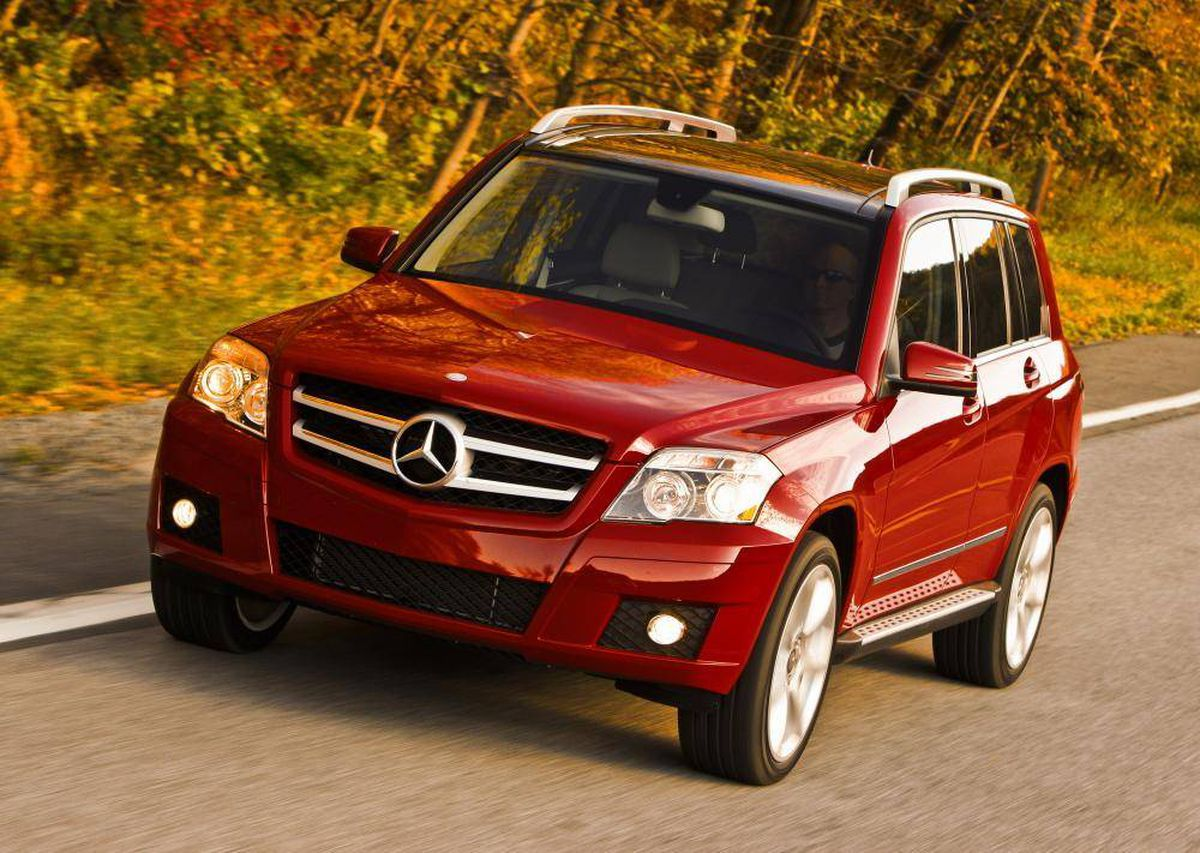 2010 mercedes benz glk 350 young at heart but off the. Black Bedroom Furniture Sets. Home Design Ideas