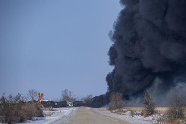 Canadian Pacific Railway train carrying crude oil derails in Saskatchewan
