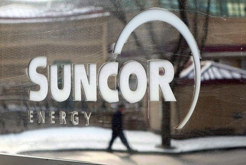Suncor Energy Inc. (SU) Insider Michael Roderick Macsween Sells 55000 Shares