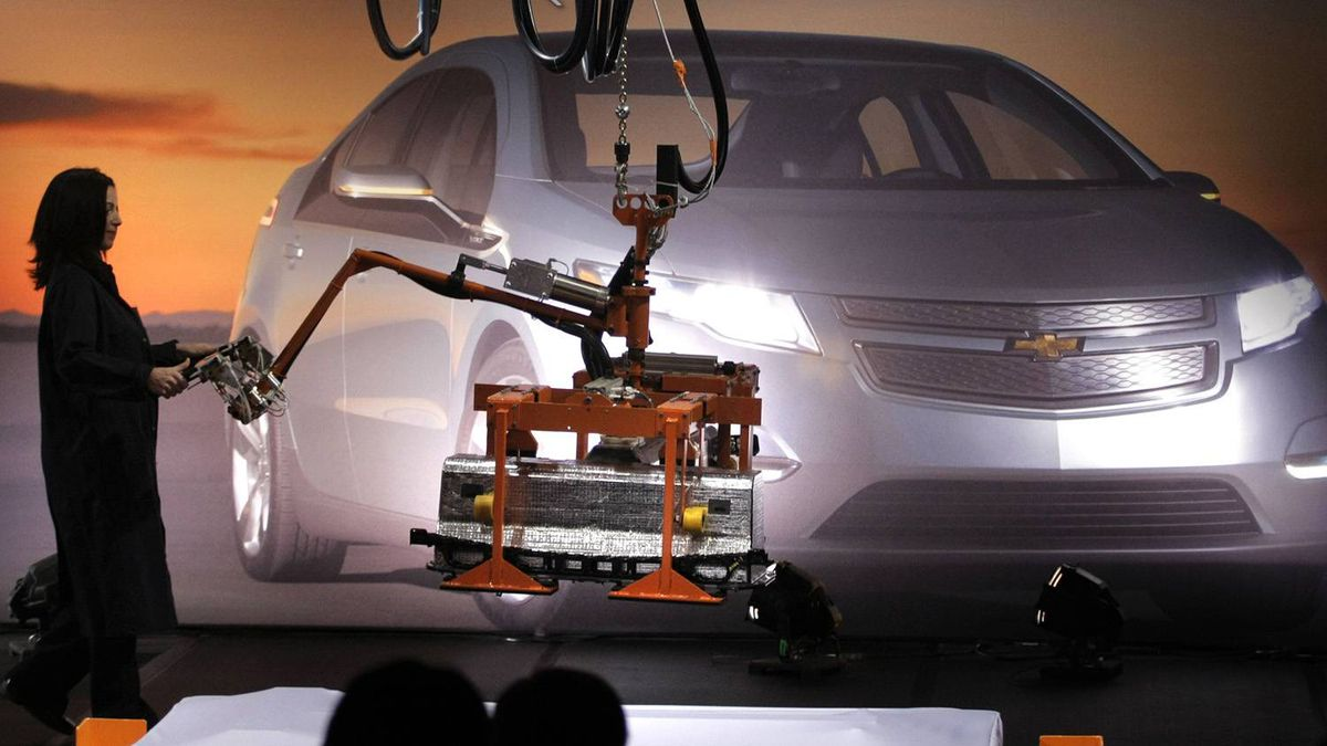 The first battery pack for the General Motors Chevrolet Volt extended-range electric vehicle comes off the assembly line.