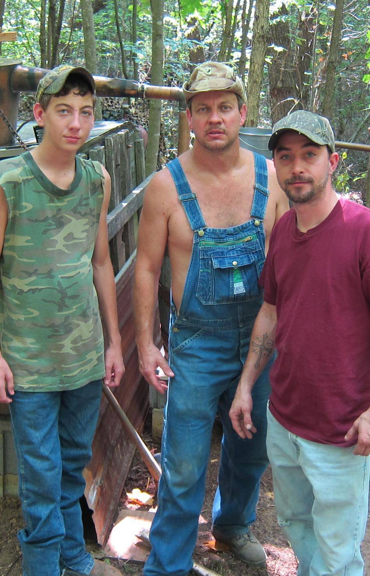 """REALITY Moonshiners Discovery, 9 p.m. ET; 11 p.m. PT Never underestimate the appeal of good ol' boys and illegal activity. Already a hit on the U.S. Discovery Channel, this new series follows a handful of country boys brewing homemade liquor deep in the mountains of rural Virginia. Tonight's opener takes place mid-June at the beginning of the brewing season and introduces viewers to the veteran moonshiner Tim, his son JT and their partner, known only as """"Tickle,"""" as they roam the backwoods for a discreet location to set up their still. At the same time, a separate camera team follows the government agent Jesse, whose job is to bring down the moonshiners, even though he displays grudging respect for their ingenuity. Watch to see how far reality TV has come."""