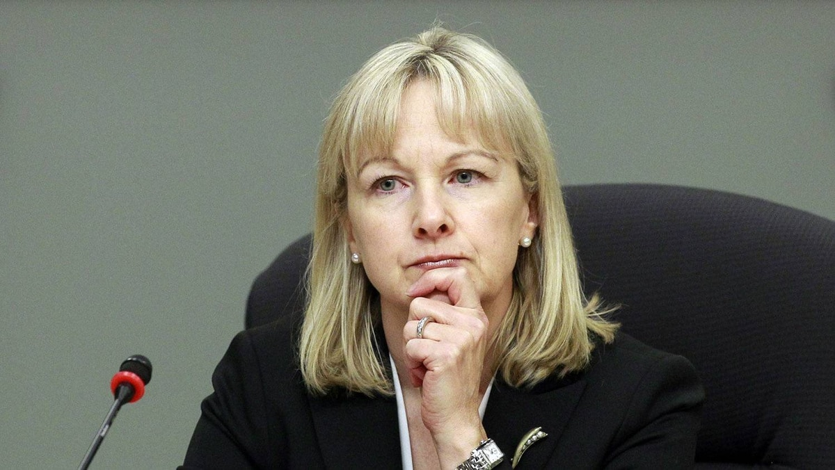 Julie Dickson, head of the Office of the Superintendent of Financial Institutions (OSFI), is calling on bank boards to ensure lending practices and policies are upheld.