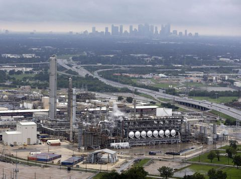 Energy chief taps emergency oil reserve in wake of Harvey