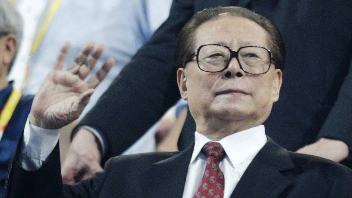Former Chinese President Jiang Zemin waves during the opening ceremonies for the Beijing 2008 Olympics, on Aug. 8, 2008.