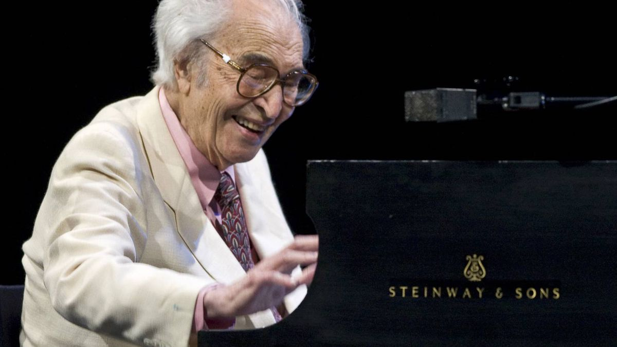 Jazz legend Dave Brubeck performs at the 30th edition of the Montreal International Jazz Festival.