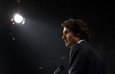 Justin Trudeau takes aim at Harper in final pitch to lead Liberals