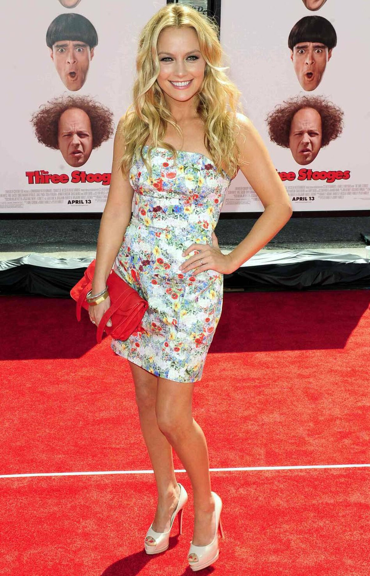 Becki Newton, too, is an actress on a red carpet.