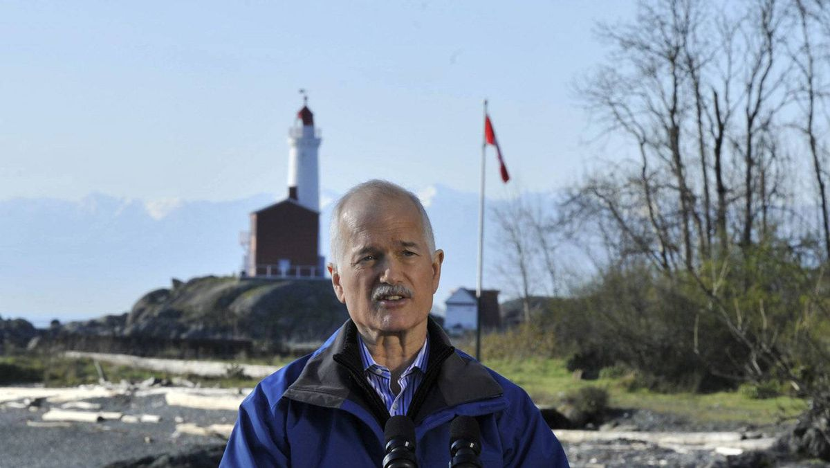 NDP Leader Jack Layton delivers his party's defence-spending plan at the Rodd Hill historic site at Esquimalt, B.C., on APril 8, 2011.