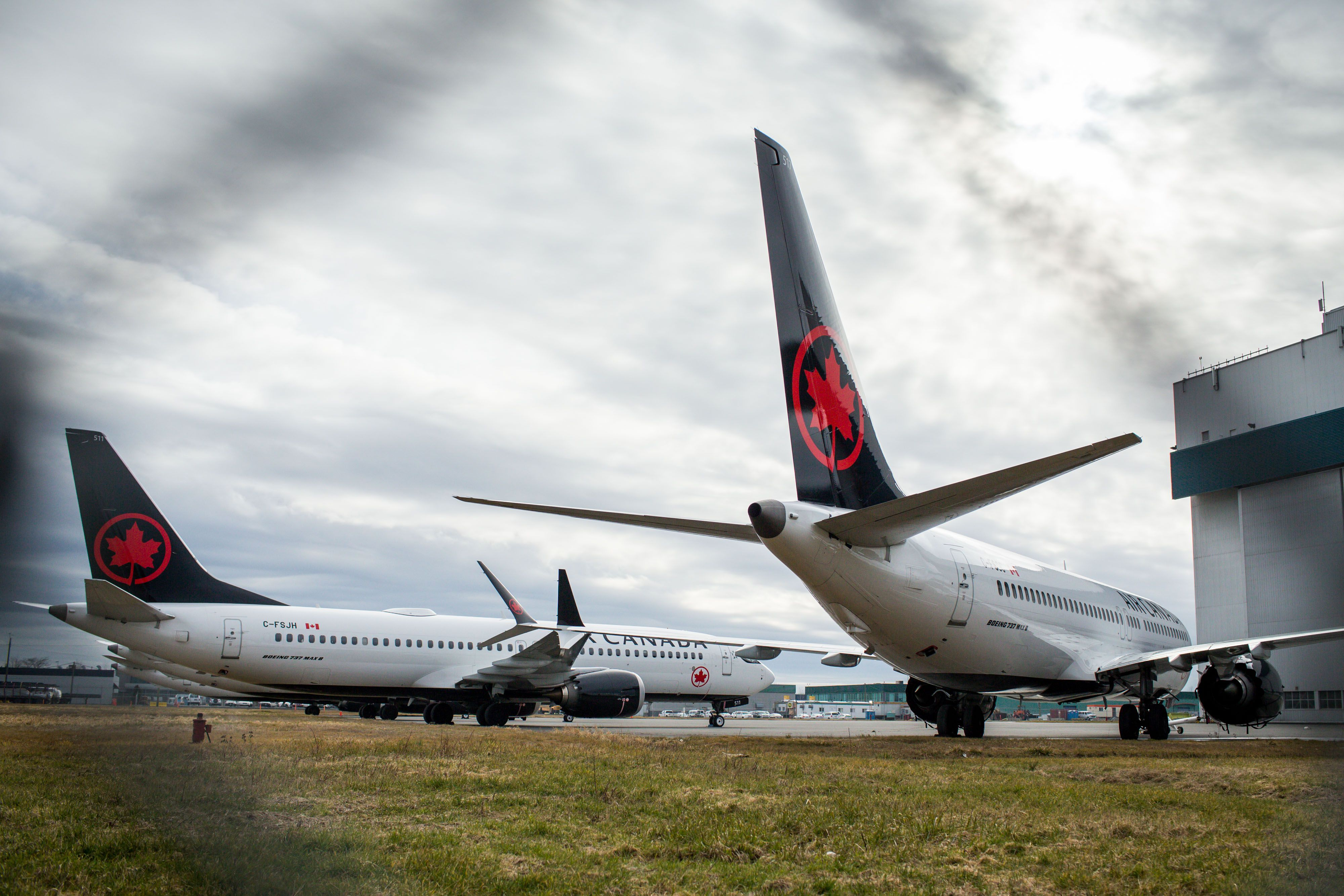 Air Canada, WestJet scramble to change schedules after grounding of