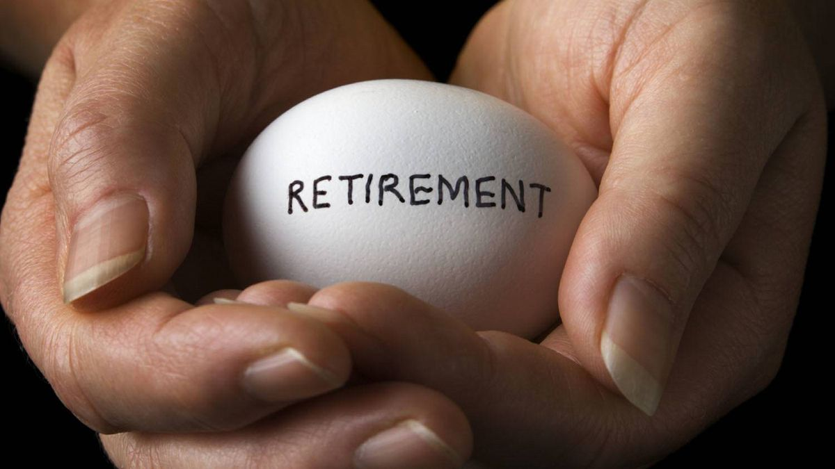 An RBC Dexia report says world market turbulence hit Canadian pension plans hard in the third quarter.