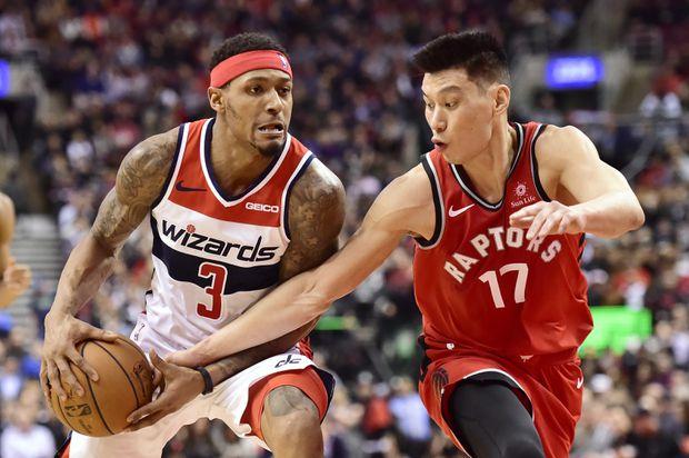 Raptors' Kawhi Leonard dealing with sore knee, out vs. Wizards