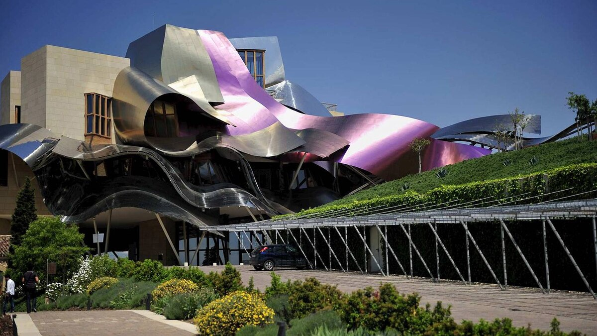Dan McCann photo: Hotel Marques de Riscal - El Ciego Spain - Architect - Frank Gehry, Photo May 2009