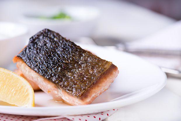 How do I make crispy-skinned fish?