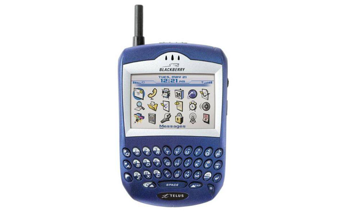 2004 - Blackberry 7510