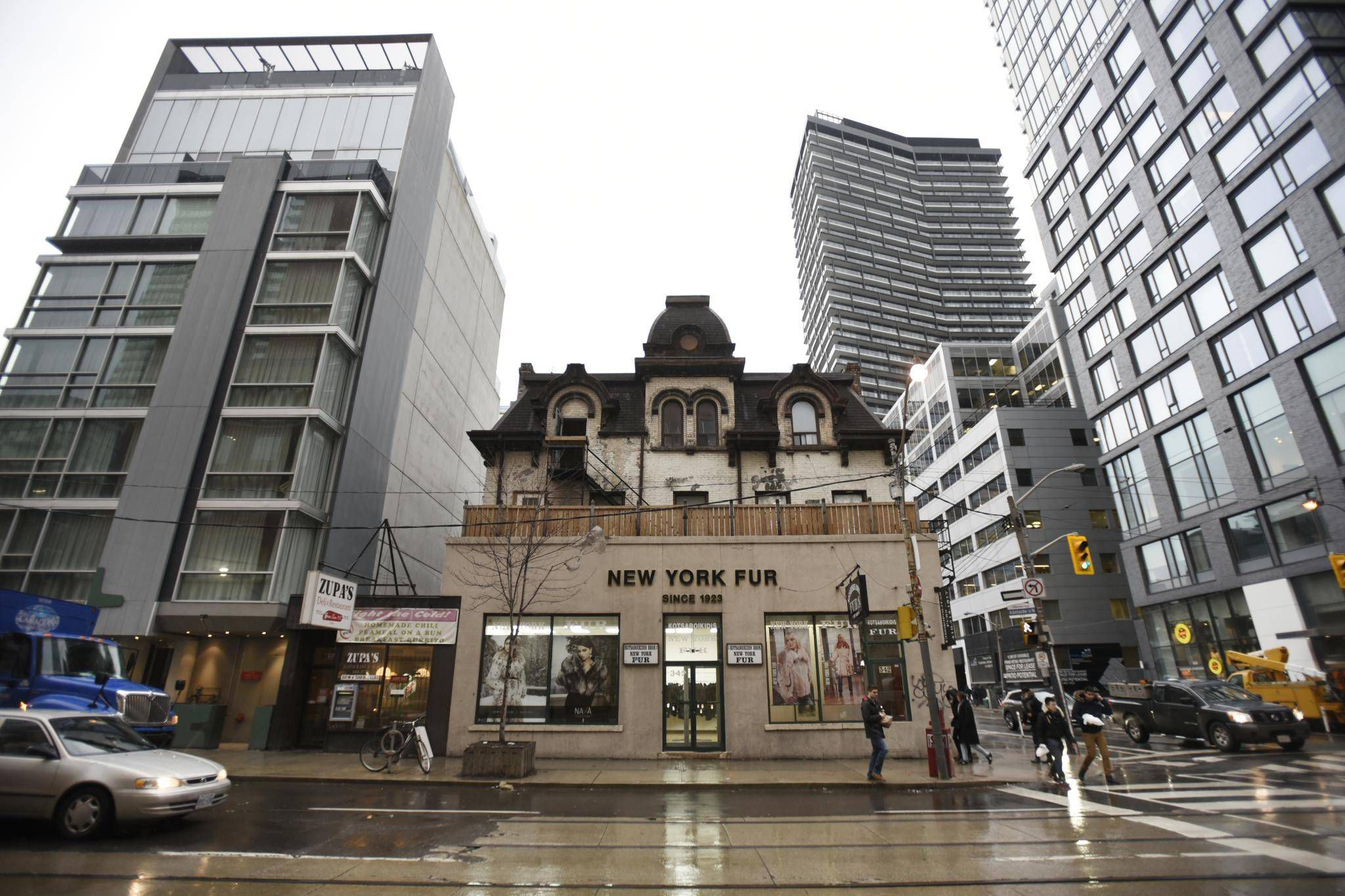 As Toronto S Fashion District Changes Small Businesses Are Feeling