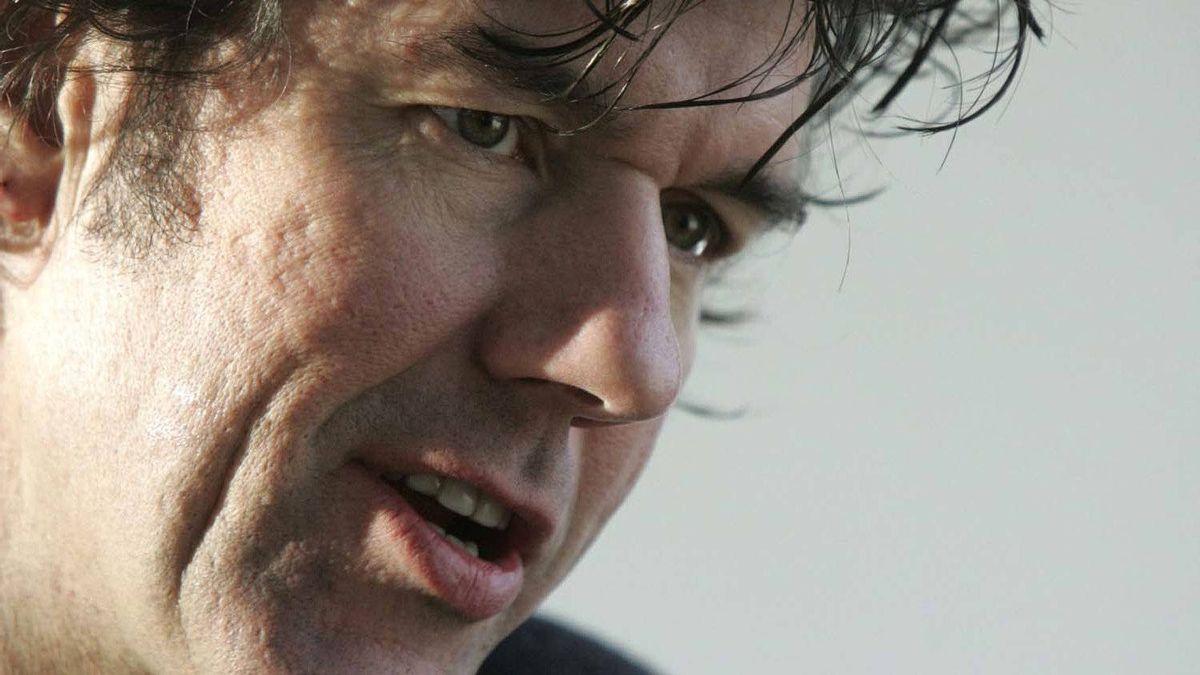 Stefan Sagmeister speaks during his masterclass in Riga, Latvia, on Feb. 2, 2007.
