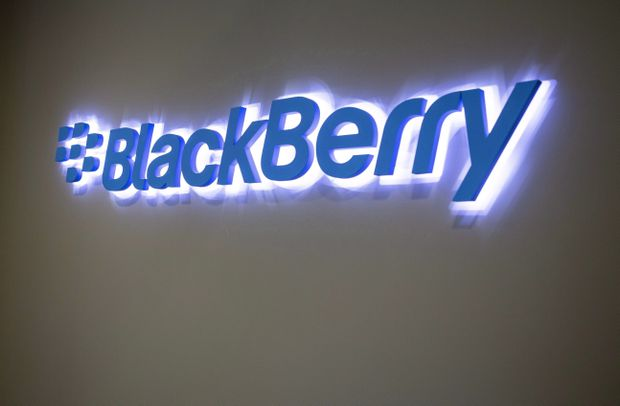 BlackBerry profit beats on higher tech licensing fees