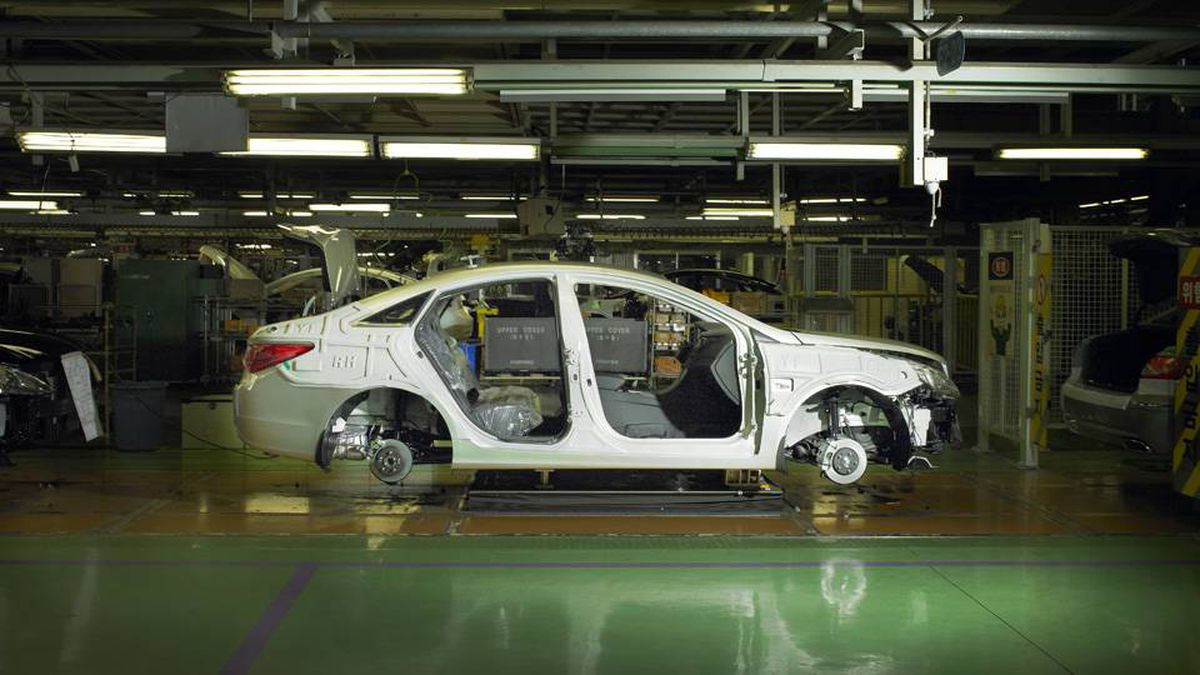 how hyundai became an auto industry The restructuring of value chains in the global auto industry 19 strategies for   liberalization began to change this situation in the 1990s quantitative  the late  1990s (including firms like hyundai in the republic of korea and proton in.