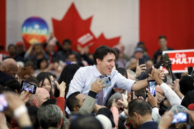 Federal party leaders focus on key swing ridings in final weekend of election campaign